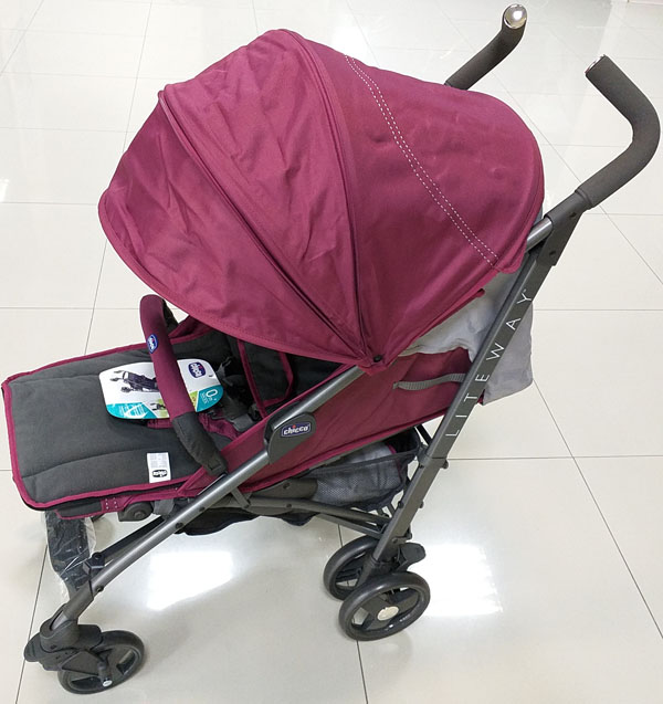 коляска чикко лайт вей (живое фото в магазине)