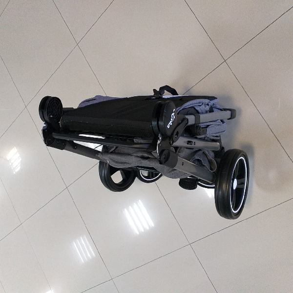 прогулочная коляска keka torneo в сложенном виде